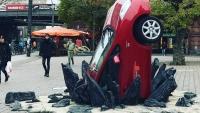 The_Grand_Tour_crashed_Toyota_Prius_12_800_600