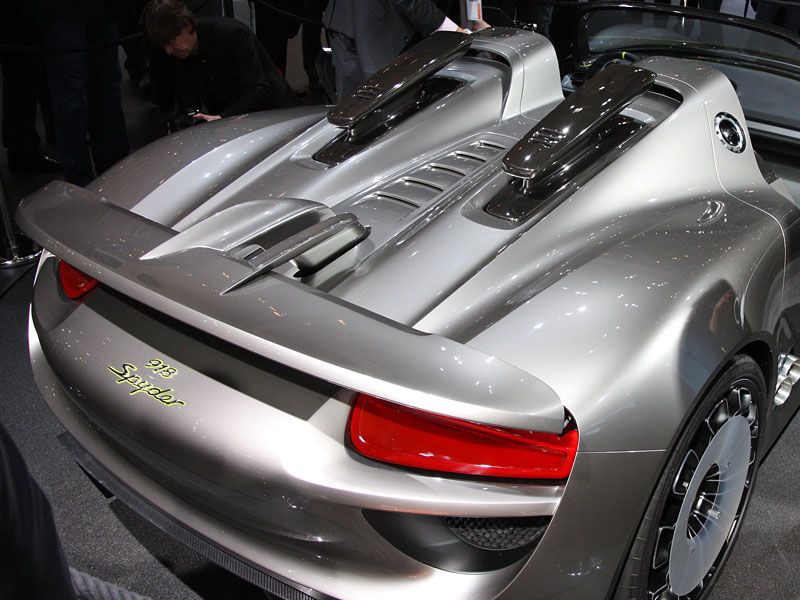 2016 porsche 918 reviews and rating motor trend. Black Bedroom Furniture Sets. Home Design Ideas