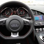 Interiér Audi R8 V10 Spyder