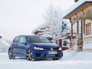 Volkswagen-Golf_R_2014_1024x768_wallpaper_09