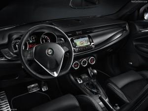 Alfa_Romeo-Giulietta_Quadrifoglio_Verde_2014_800x600_wallpaper_32