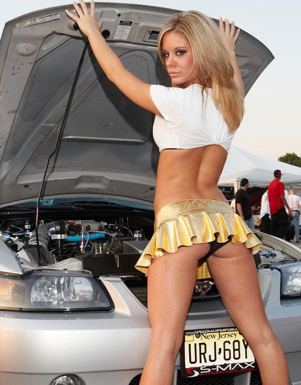 car-girls-bad-idea-01_08_16-600-0